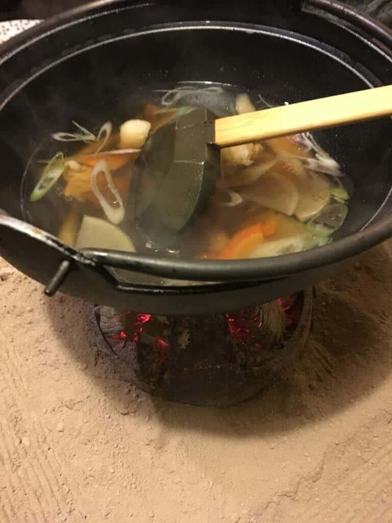 鳥ごぼう鍋
