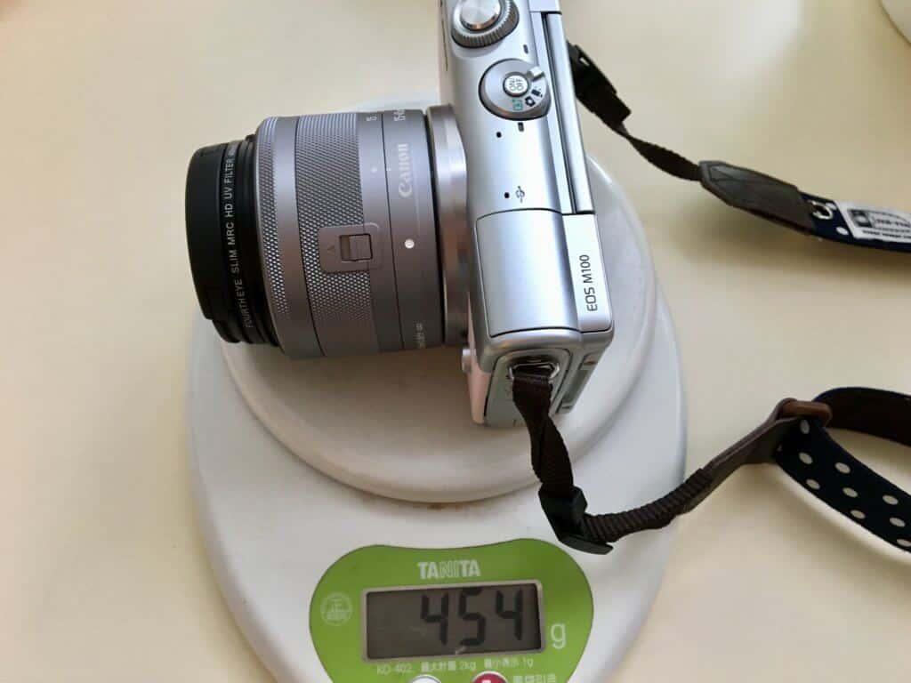 EOS100Mの重さ454g